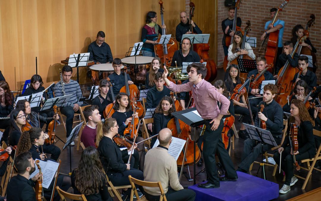 Entrañable encuentro de orquestas